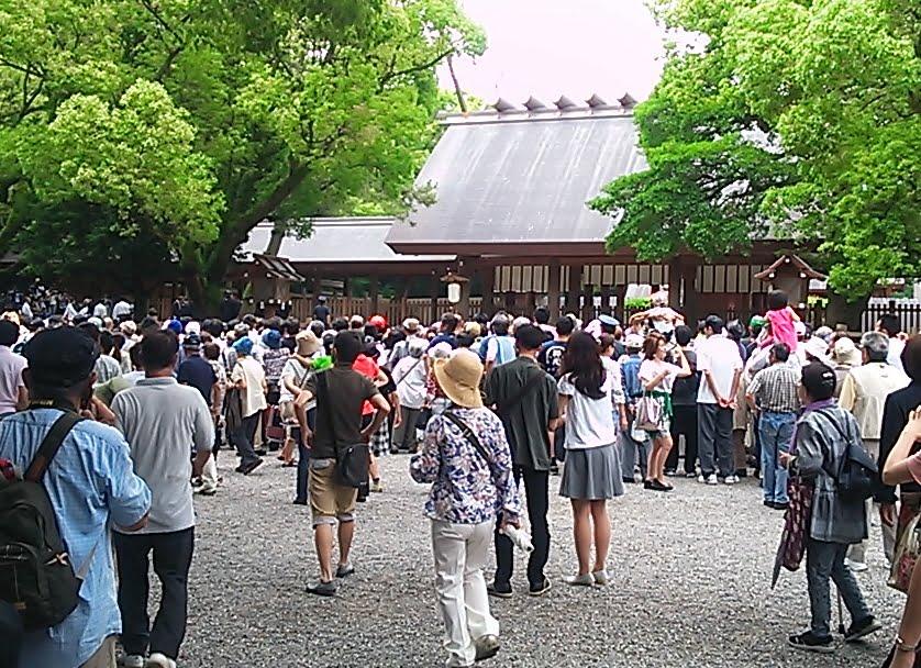 熱田神宮土俵入り・混雑