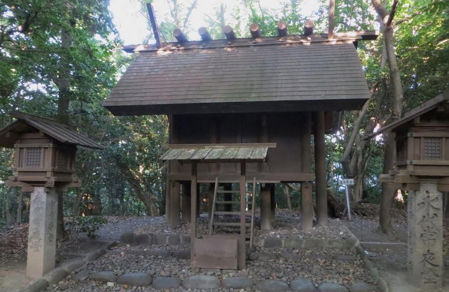 熱田神宮・龍神社